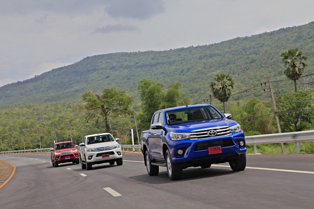Toyota Hilux Revo D-cab Test Drive (100)