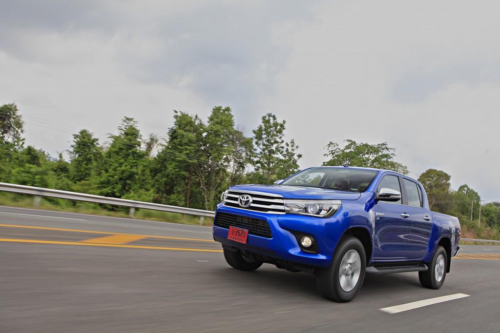 Toyota Hilux Revo D-cab Test Drive (103)