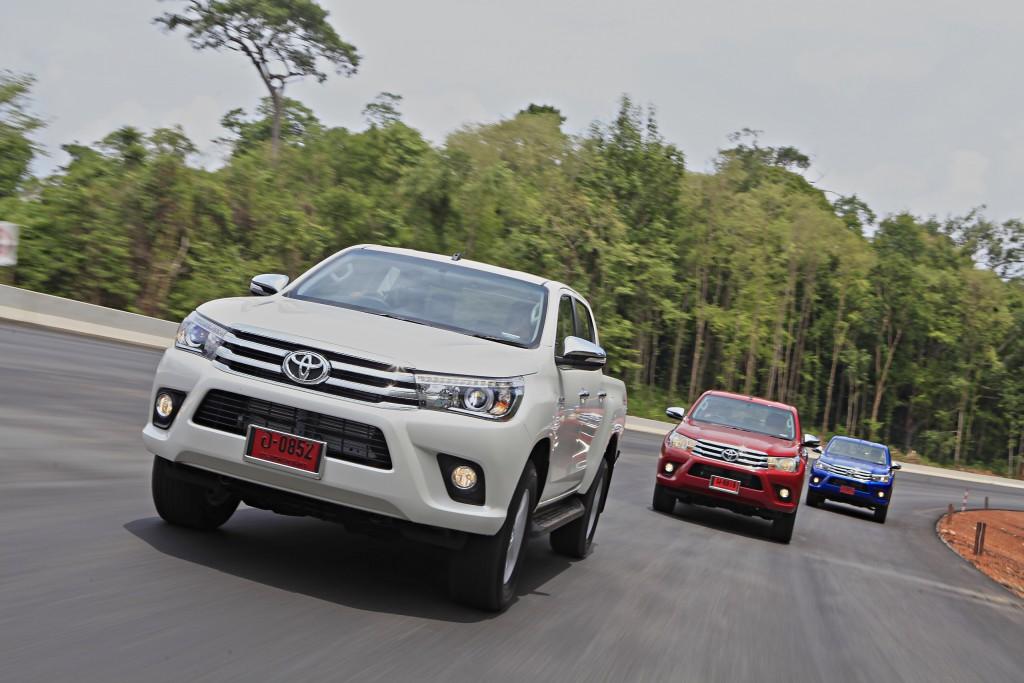 Toyota Hilux Revo D-cab Test Drive (110)