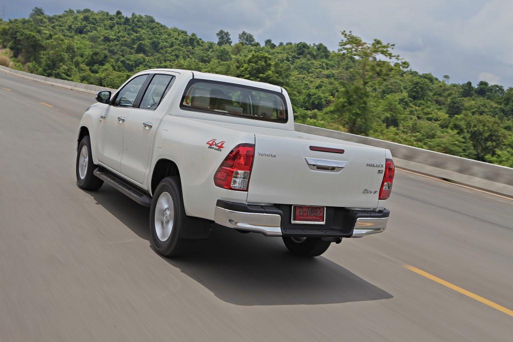 Toyota Hilux Revo D-cab Test Drive (115)