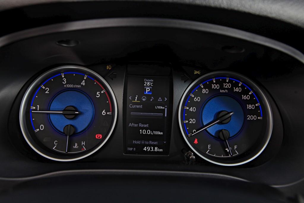 Toyota Hilux Revo D-cab Test Drive (121)