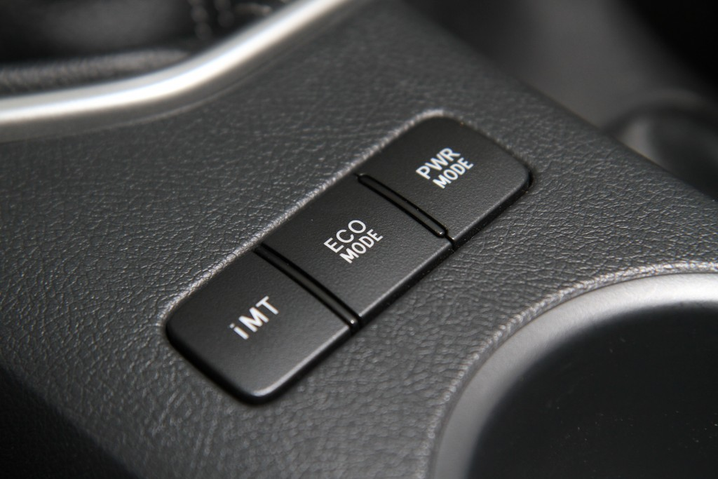 Toyota Hilux Revo D-cab Test Drive (21)