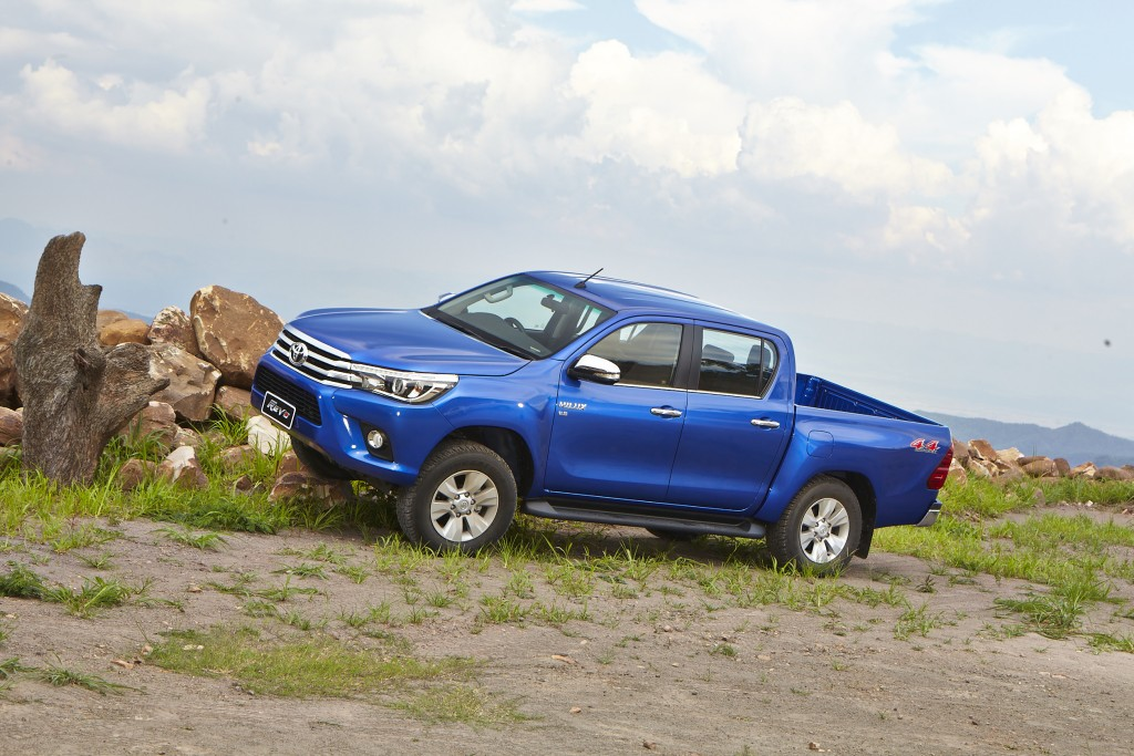 Toyota Hilux Revo D-cab Test Drive (64)