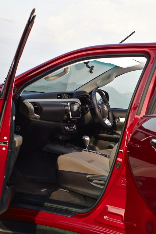 Toyota Hilux Revo D-cab Test Drive (79)