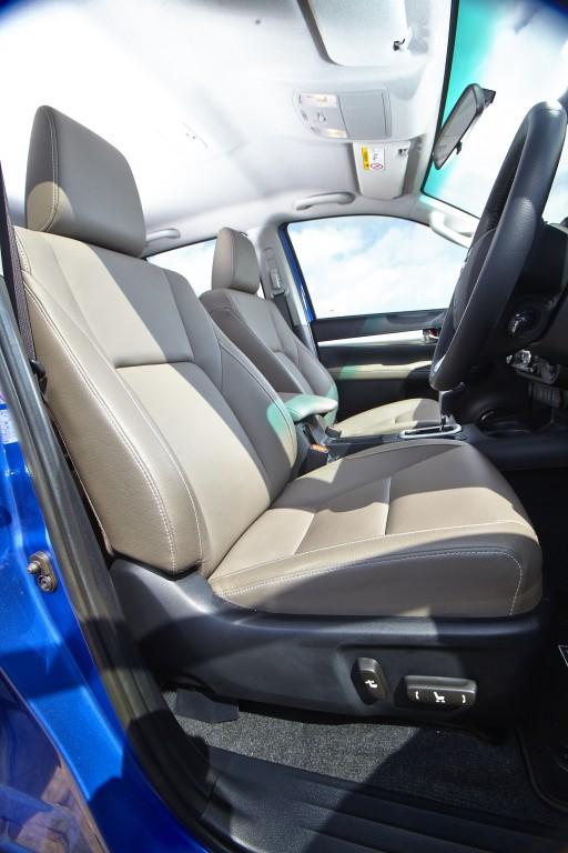 Toyota Hilux Revo D-cab Test Drive (83)