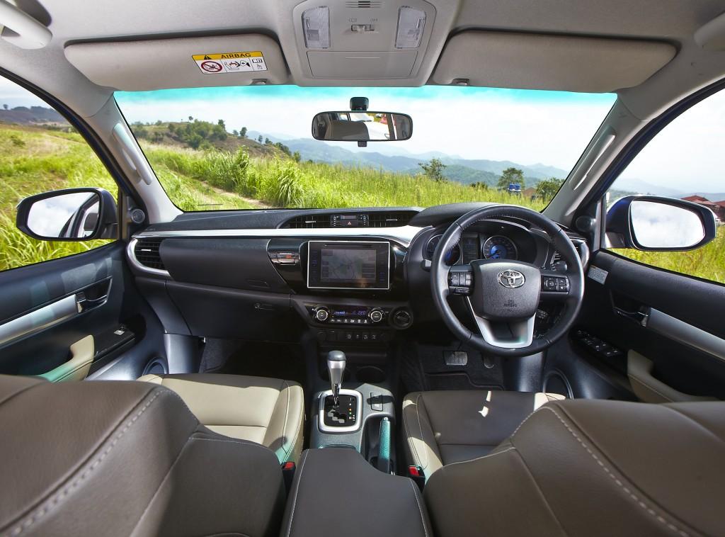 Toyota Hilux Revo D-cab Test Drive (91)