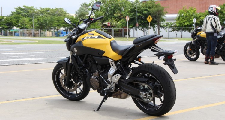 2015 Yamaha MT-07 (1)