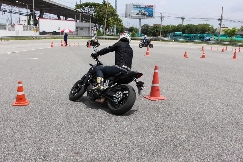 2015 Yamaha MT-07 (18)