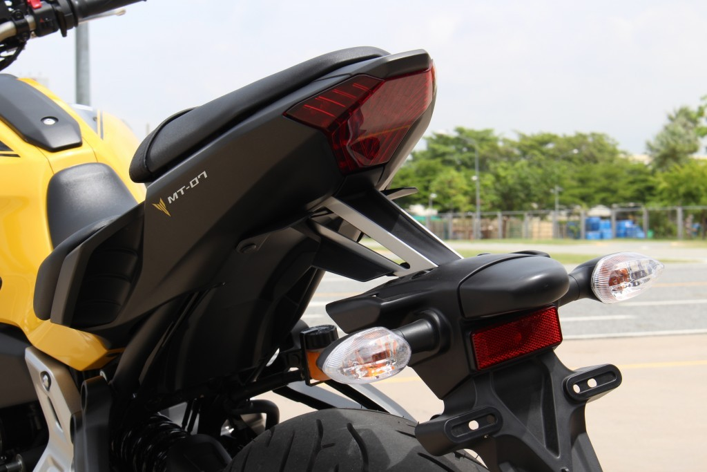 2015 Yamaha MT-07 (2)