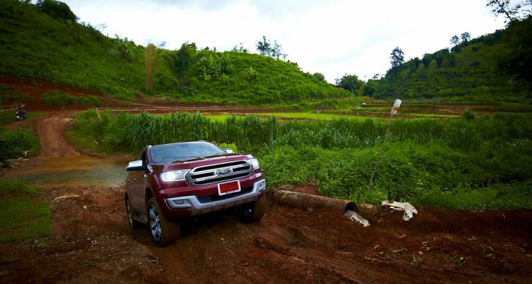 Ford Everest drive 017