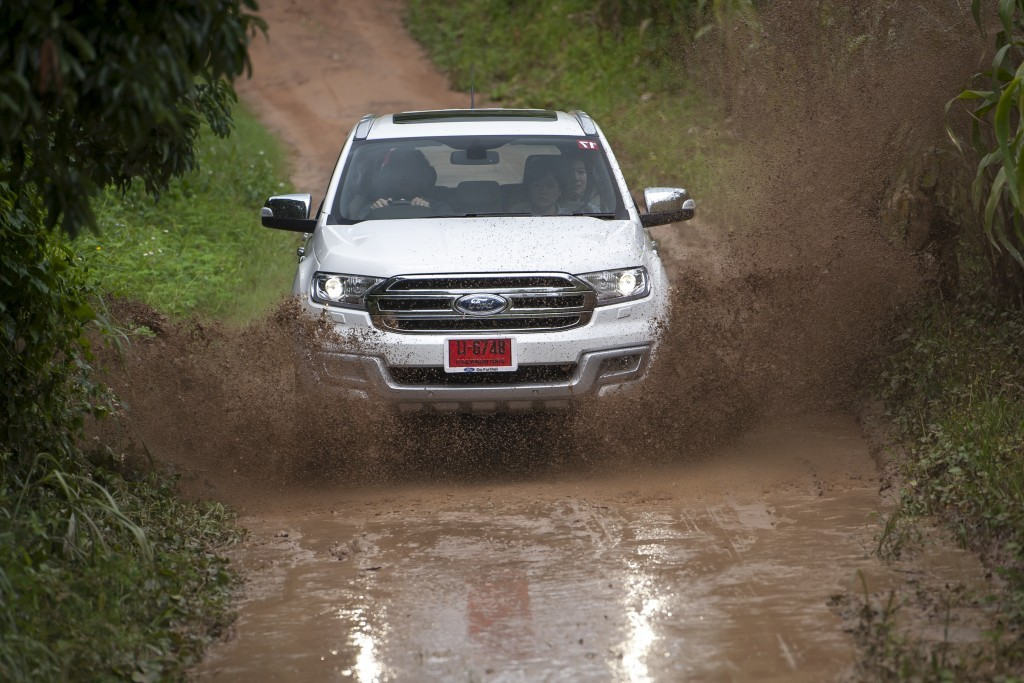 Ford Everest drive 028