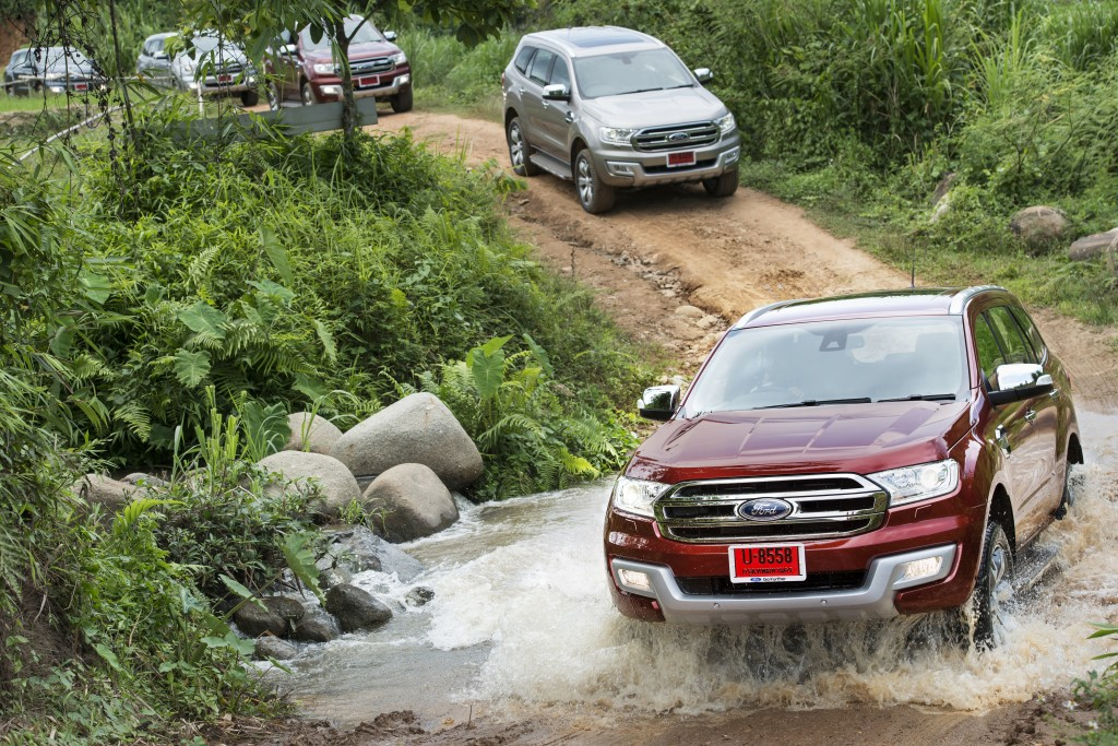 Ford Everest on location 002