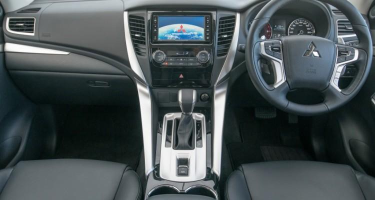 2015 All New Mitsubishi Pajero Sport (1)