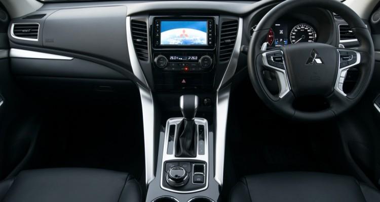 2015 All New Pajero Sport GT 4WD interior (11)