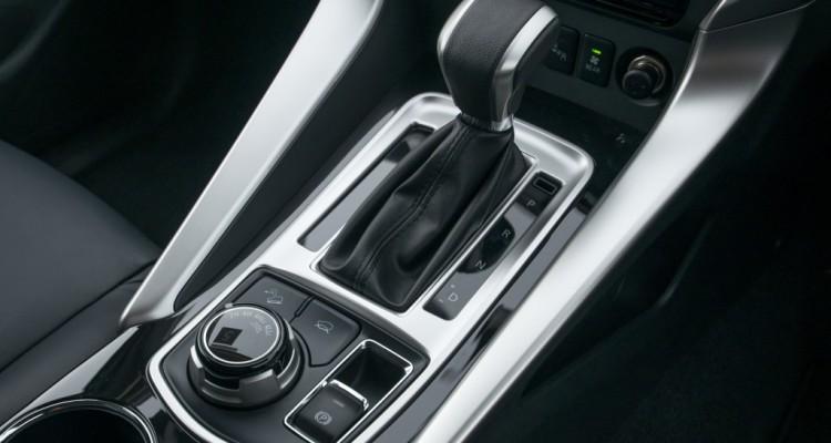2015 All New Pajero Sport GT 4WD interior (15)