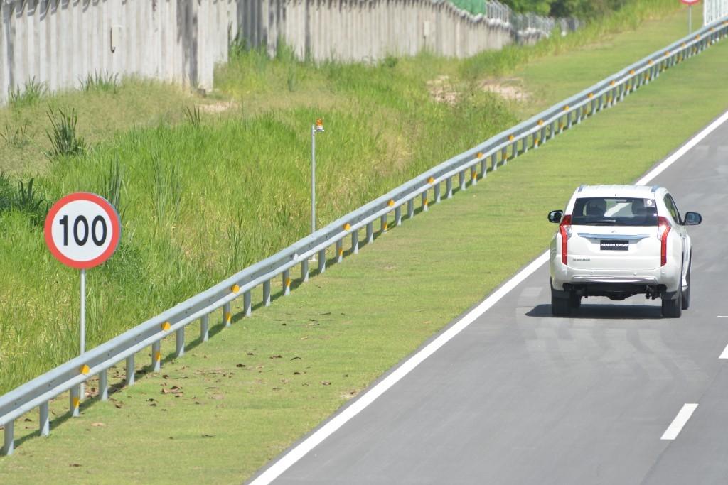 2015 Misubishi Pajero Sport TESTDRIVE (38)