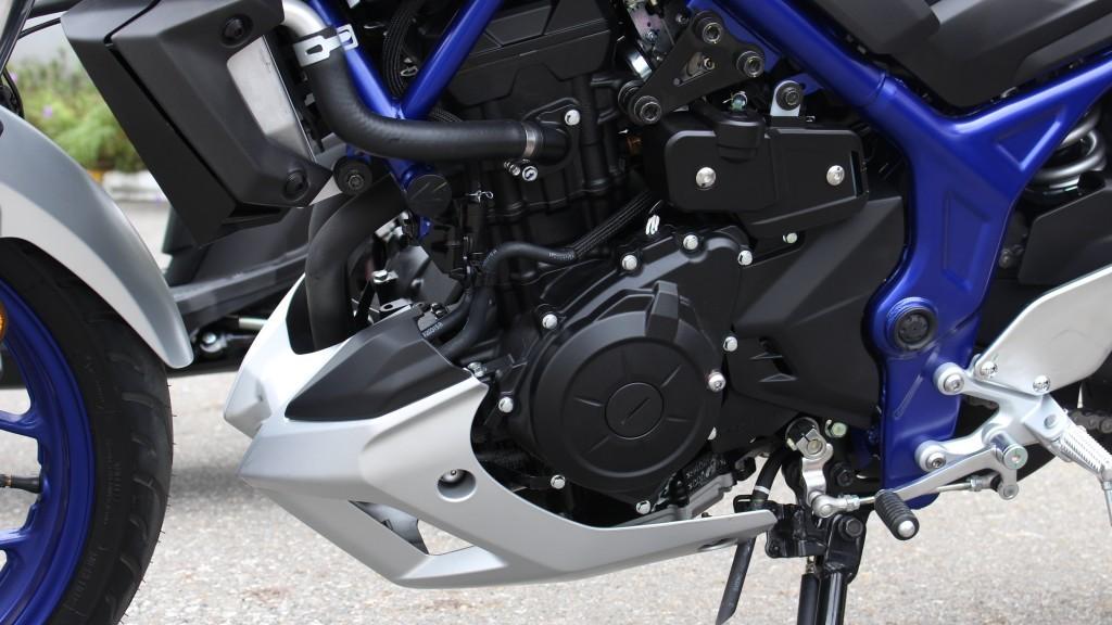 2015 Yamaha MT-03 (15)