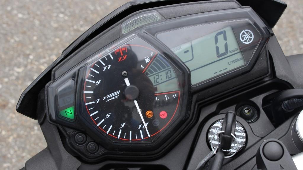 2015 Yamaha MT-03 (23)