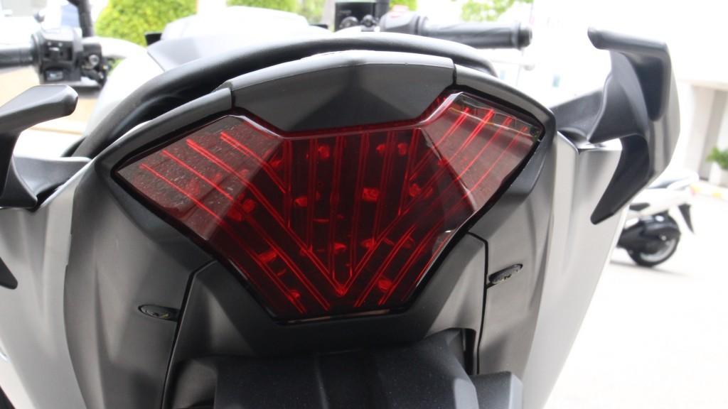 2015 Yamaha MT-03 (24)