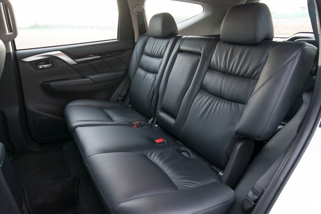 All New Pajero Sport GT 4WD interior_0003