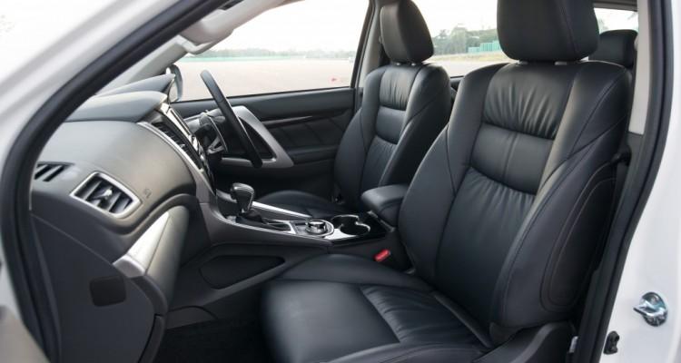 All New Pajero Sport GT 4WD interior_0007