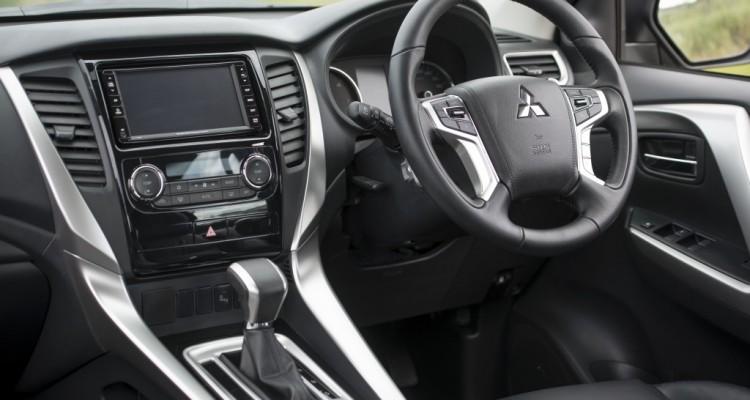 2015 Mitsubishi Pajero Sport Test บทความ (16)