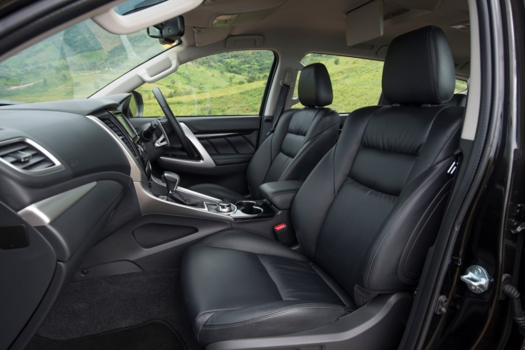 2015 Mitsubishi Pajero Sport Test บทความ (18) (Custom)