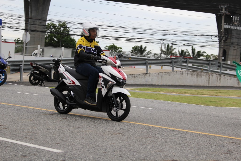 2015 Yamaha เปิดตัวรถ 4 รุ่น (71)
