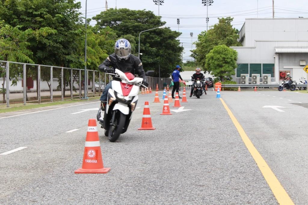 2015 Yamaha เปิดตัวรถ 4 รุ่น (90)