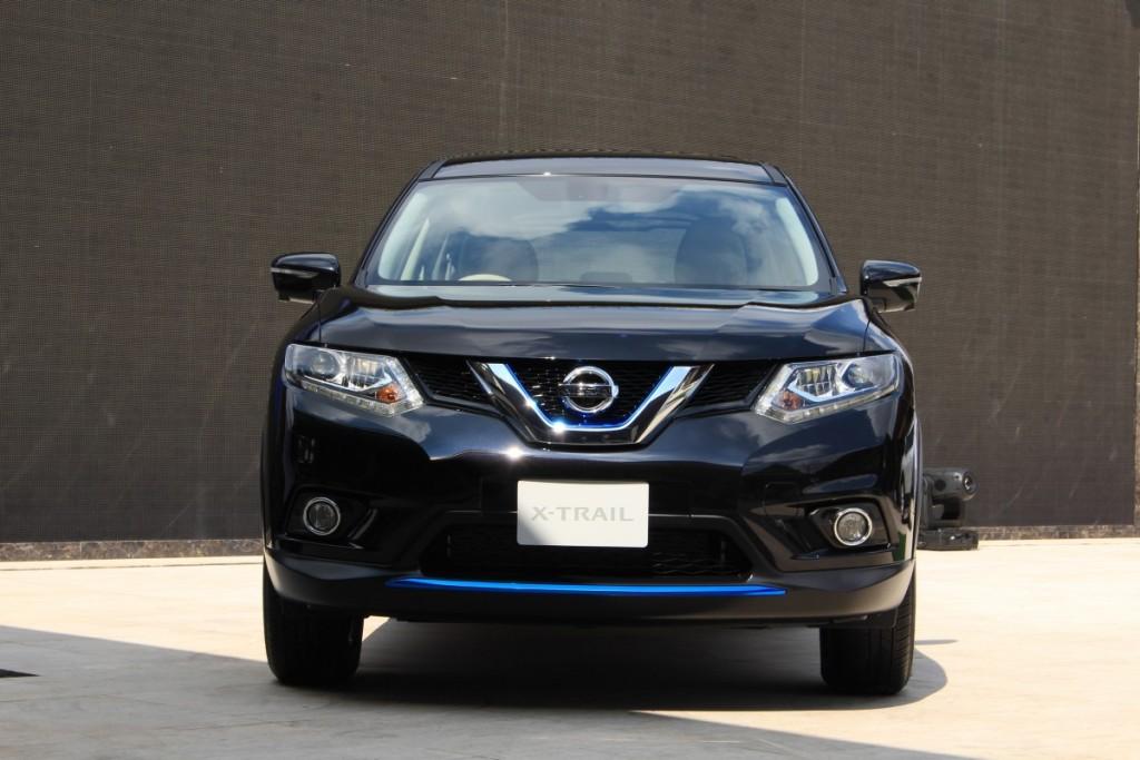 2015 Nissan X-Trail Hybrid (4)