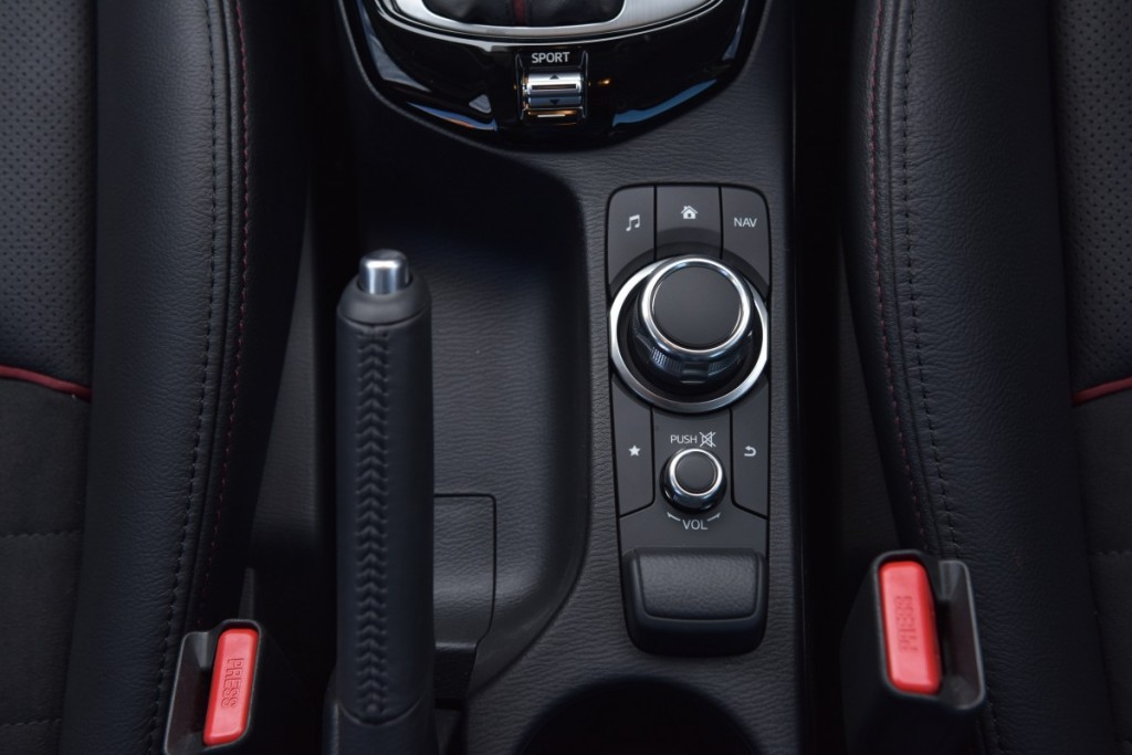 Mazda CX-3 เบนซิน ตระกูล ลินทมิตร driveautoblog (2)