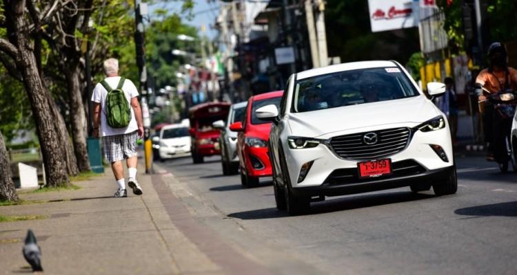 Mazda CX-3 เบนซิน ตระกูล ลินทมิตร driveautoblog (7)