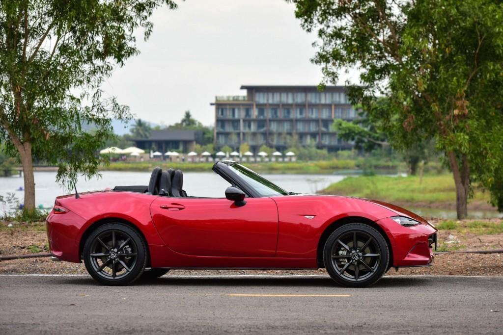 2015 Mazda MX-5 2.0 Driveautoblog (51)