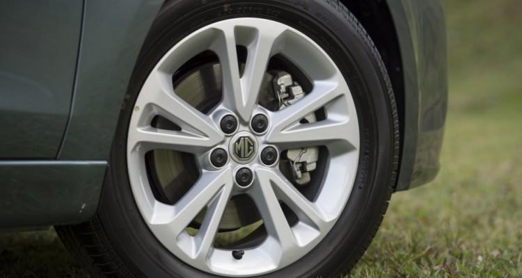 MG5 Driveautoblog (11)