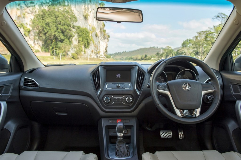 MG5 Driveautoblog (13)