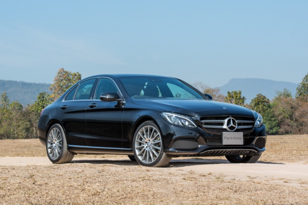 The C 350 e AMG Dynamic (Black)-2