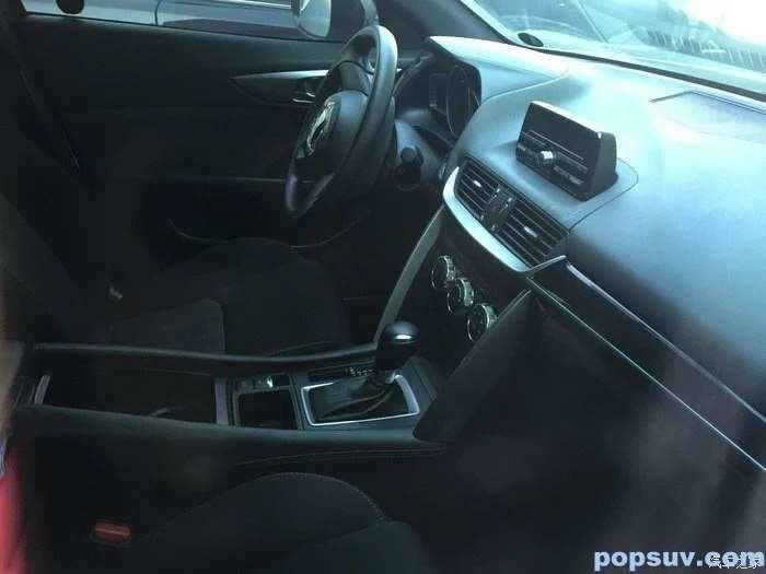 2016 Mazda CX-4 Spyshot (4)
