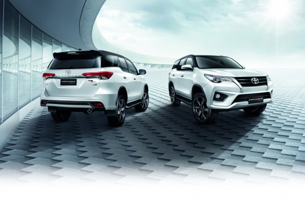 2016 Toyota Fortuner TRD Sportivo (4)