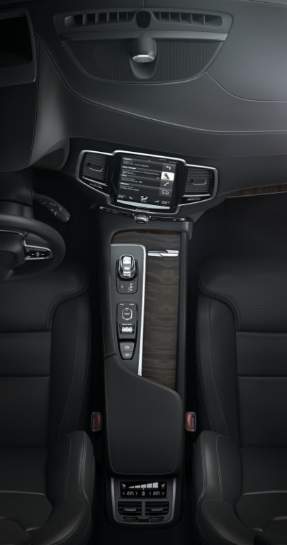 2016 Volvo XC90 (5)-horz