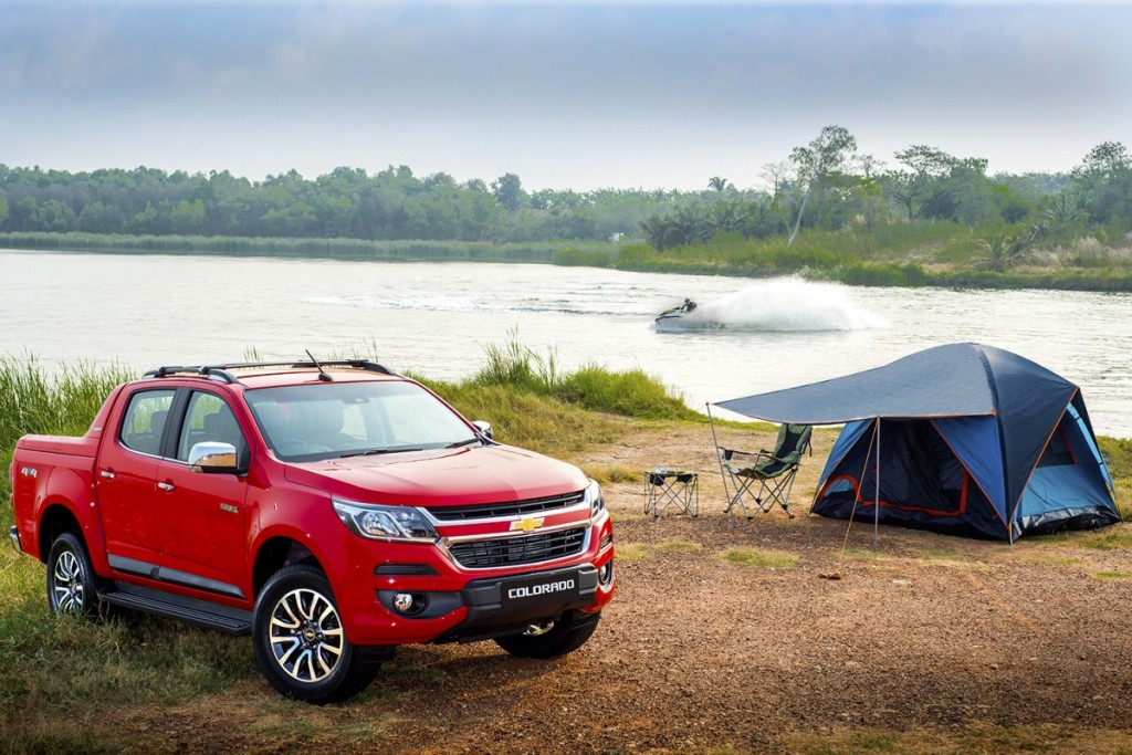 2017 Chevrolet Colorado High Country_lifestyle 2