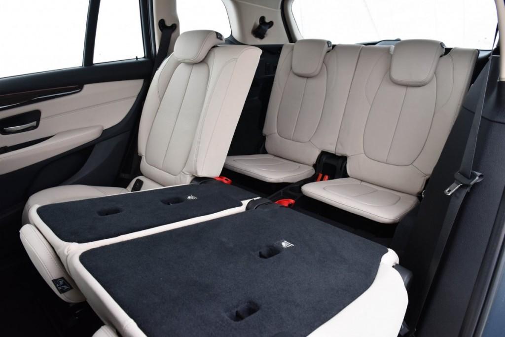 BMW 218i Gran Tourer13