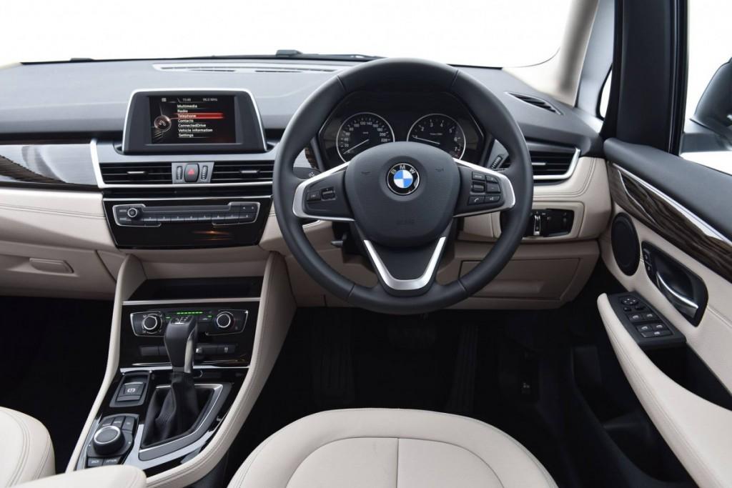 BMW 218i Gran Tourer4