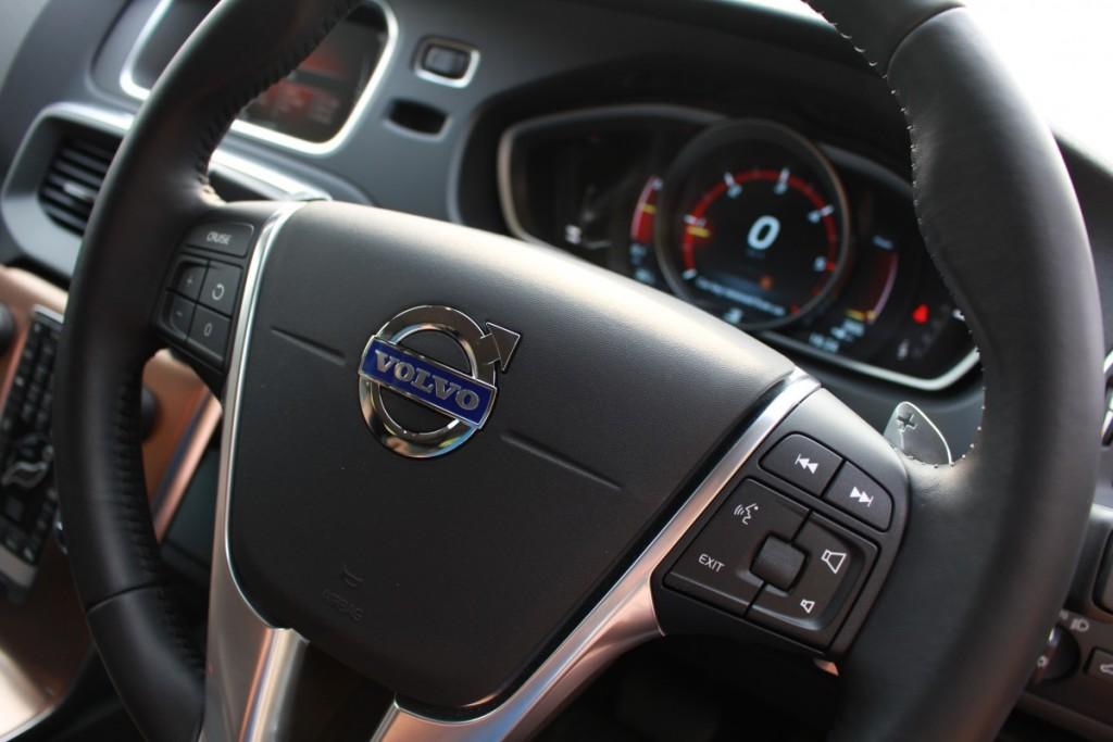 Volvo V40 Cross Country Driveautoblog (28)