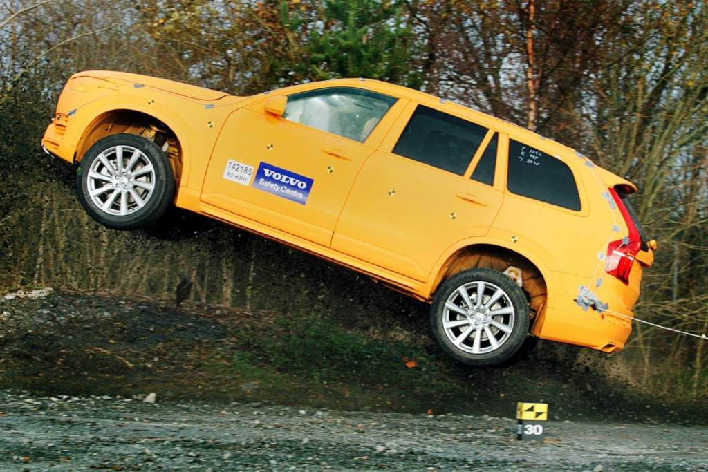 154751_Volvo_XC90_crash_test