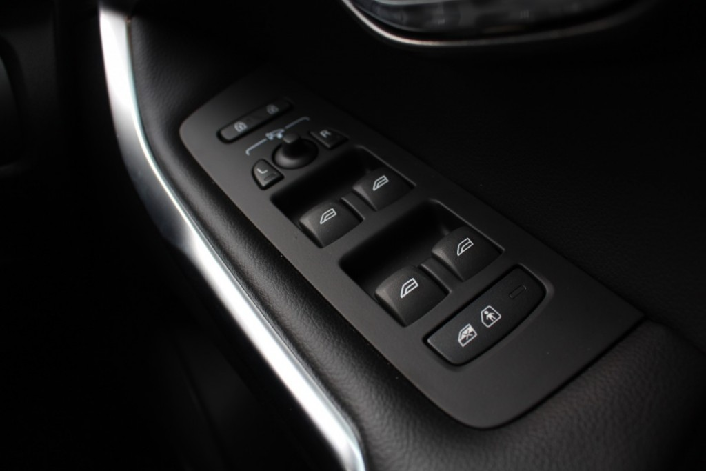 Volvo V40 Cross Country Driveautoblog (30)