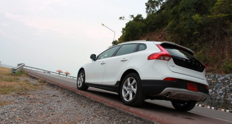 Volvo V40 Cross Country Driveautoblog (44)