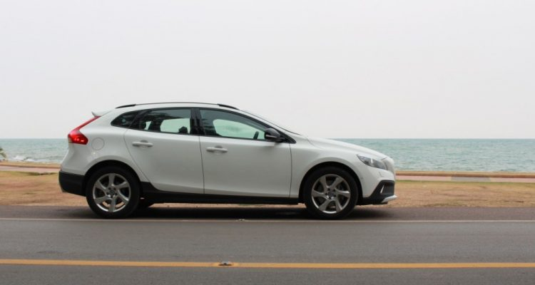 Volvo V40 Cross Country Driveautoblog (50)