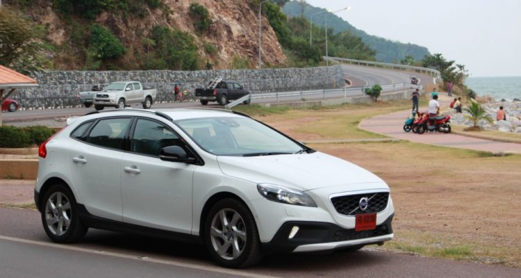 Volvo V40 Cross Country Driveautoblog (53)