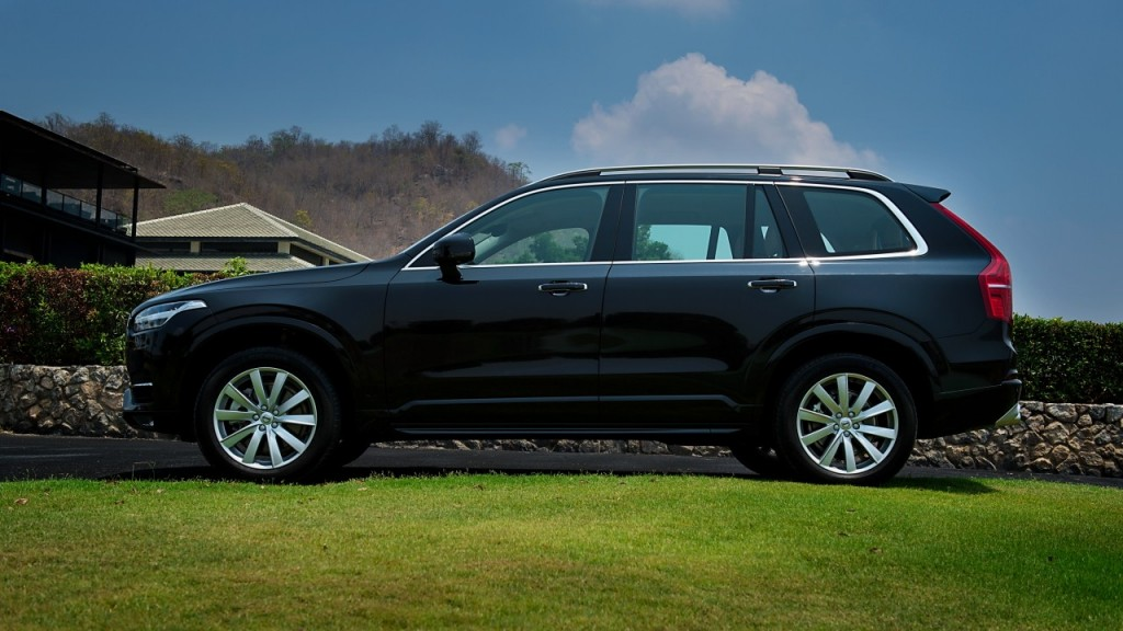 Volvo XC90 5D AWD Momentum review (18)