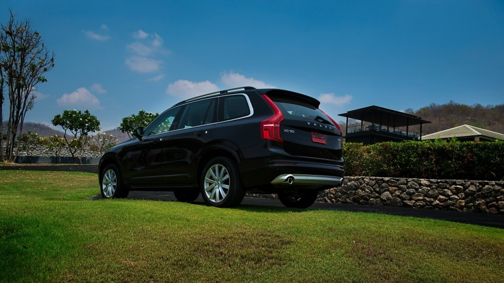 Volvo XC90 5D AWD Momentum review (19)